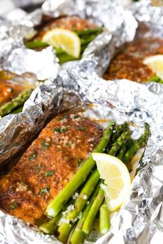 The great thing about Asparagus Salmon Foil Packets is that they can be grilled, baked, or cooked over a campfire. Lightly seasoned and doused in herb butter and lemon, the salmon and asparagus cook perfectly together on one pan! Baked Salmon And Asparagus, Cajun Salmon, Lemon Salmon, Asparagus Recipe, Asparagus Spears, Pan Asparagus, Healthy Grilling Recipes, Grilled Steak Recipes, Camping Recipes