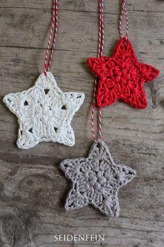 Sternchen-Anhänger * DIY * crochet some stars - free crochet pattern in German --- by seidenfeins Blog vom schönen Landleben: 11 ✰