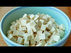 【小穎美食】最近很火的豆腐做法,飯店賣48一盤,在家成本不到6元,太香了 - YouTube Tofu Dishes, Feta, The Creator, Cheese, Youtube, Popular, Cook, Recipes, Kitchens