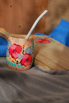 Flower Pot Art, Art Drawings Sketches, Abstract Flowers, Color Pallets, Clay Crafts, Creative Crafts, Painted Wooden Boxes, Wood Art, Pottery