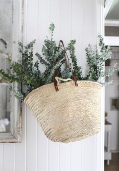 Creative Shutterbugs, Kara, Rosenlund, Sfgirlbybay, and Interior image ideas & inspiration on Designspiration Kara Rosenlund, Deco Jungle, L Eucalyptus, Australian Christmas, Christmas Decorations Australian, Aussie Christmas, Xmas, Market Baskets, Ideas Geniales
