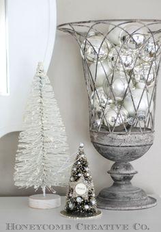 ☆ White Christmas Wonderland ☆ ornament centerpiece