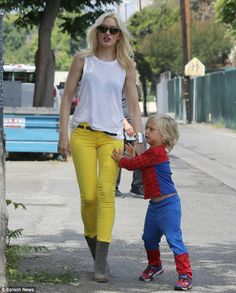 Gwen and little Zuma as Spiderman