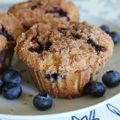To Die For Blueberry Muffins-used coconut oil whole wheat flour and brown sugar. Added strawberries and orange zest to the batter and subbed sour cream for milk. Used raw sugar and whole wheat flour for crumb topping. Made 11 regular sized muffins. Best Blueberry Muffins, Blueberry Recipes, Blue Berry Muffins, Blueberry Muffins Allrecipes, Blueberry Oatmeal, Blueberry Crunch, Blueberry Sauce, Muffin Recipes, Desert Recipes