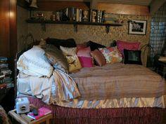 Aria Montgomery Room | bed