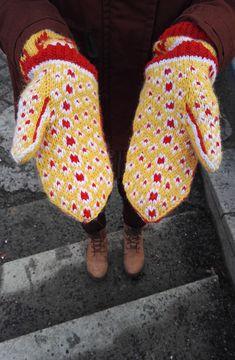 Melkein kuin uusi: Kettukarkkilapaset (ja neulekaavio!) Knitting Socks, Knit Socks, Hobbies And Crafts, Mittens, Projects To Try, Gloves, Knitting Tutorials, Crochet, Design