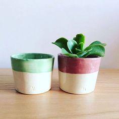 Hermosas macetas de MANO Objetos para darle vida a algún rincón de nuestra casa u oficina! http://charliechoices.com/manoobjetos/ . . . #diseño #deautor #handmade #hechoamano #emprender #emprendedores #maceta #deco #decoracion #planta #ceramica #vida