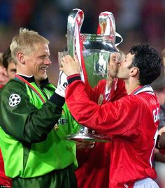 Ryan Giggs, alongside Paul Scholes, Wes Brown, and Gary Neville, was one of four survivors from the Manchester United team that won the 1999...