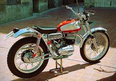 1967 Bultaco Sherpa T Model 27 San Antonio, copyright Colección Hermanos Lozano Bultaco Motorcycles, Cool Motorcycles, Vintage Motorcycles, Motorbikes, Enduro Vintage, Vintage Motocross, Vintage Bikes, Retro Motorcycle, Women Motorcycle