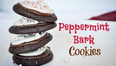 Everyone loves chocolate and peppermint and Oreos, which makes this Oreo Peppermint Bark a delicious and wonderful treat for the holidays! Chocolate Cake Mixes, Chocolate Cookies, Chocolate Recipes, Delicious Desserts, Dessert Recipes, Drink Recipes, Yummy Treats, Appetizer Recipes, Yummy Recipes