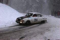 Old V4 2-stroke Rally-Saab