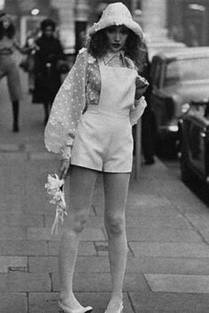 Le Fashion: 45 Incredible Street Style Shots From The 60s And 70s Fashion, Retro Fashion, New Fashion, Vintage Fashion, Fashion Trends, 70s Hippie Fashion, 1970s Hippie, Vogue Fashion, Punk Fashion