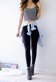 Take a look at 15 ideas to style a chambray shirt outfit in the photos below and get ideas for your own amazing outfits! Dark jeans, lighter chambray shirt and cardigan. Teenager Fashion Trends, Teen Fashion, Fashion Outfits, Womens Fashion, Fall Fashion, Chambray Shirt Outfits, Outfits For Teens, Casual Outfits, Casual Clothes