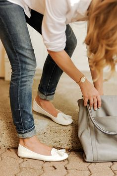 Modern mama's uniform: skinny jeans & ballet flats with a cute oversized handbag.     by {this is glamorous}, via Flickr