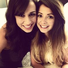 Zoe (Zoella) and Colleen Ballinger ( psycosoprano) plays the character Miranda sings! just amazing!