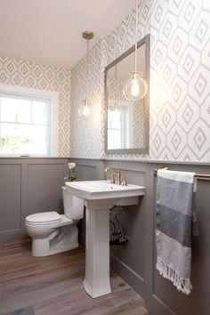 Modern farmhouse bathroom remodel ideas (32)