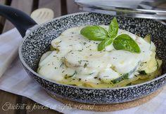 parmigiana patate e zucchine in padella con mozzarella e scamorza ricetta estiva senza forno secondo gustoso parmigiana bianca