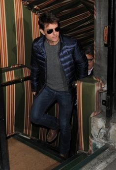 Nighttiming Newly single Tom Cruise is snapped leaving Annabel's, a private members-only club, in the Mayfair area of London on September Ton Cruise, Movies And Series, Hollywood Men, My Tom, Cruise Outfits, Attractive Men, American Actors, Casual Outfits, Leather Jacket
