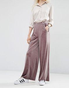 Immagine 4 di ASOS - Pantaloni in velluto larghi con fondo ampio
