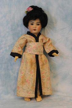 """12.5"""" Antique Simon & Halbig Asian 1329 Doll 14 Pic. wardrobe Kimono with skirts"""