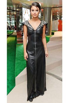 O estilo da... Selena Gomez - Claudia BartelleClaudia Bartelle