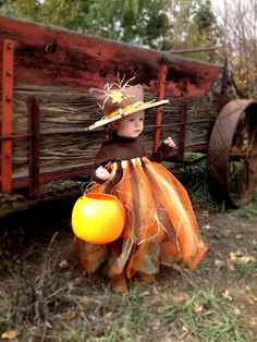 Halloween little girls costume DIY: scarecrow pumpkin princess tutu from the Intentional Momma!