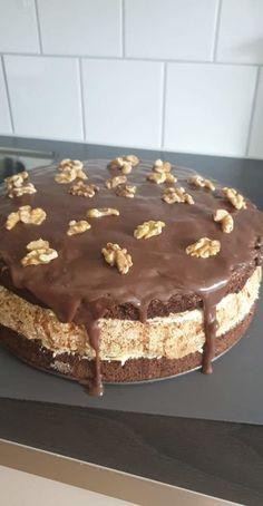 Calzone, Tiramisu, Baking, Cake, Ethnic Recipes, Sweet, Food, Candy, Bakken