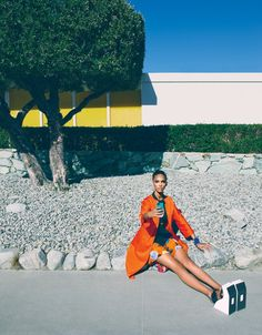 Selfie Absorbed - Photo by Emma Summerton, styled by Giovanna Battaglia