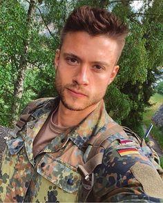 Charakterstudie: Militärdienst macht Männer dauerhaft unsozialer