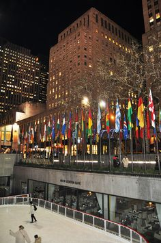 Rock Center Cafe, Rockefeller Center, New York City.  Rent-Direct.com - Apts for Rent in NYC with No Broker's Fee.