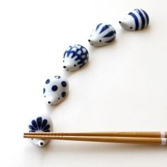 Ceramic Tableware, Porcelain Ceramics, Ceramic Pottery, Ceramic Art, White Ceramics, Kitchenware, Clay Art Projects, Easy Craft Projects, Japanese Ceramics