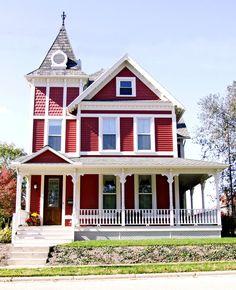 Victorian Porch, Victorian Farmhouse, Victorian Homes, Victorian Design, Country Farmhouse, Farmhouse Decor, Victorian Ladies, Modern Victorian, Edwardian Era