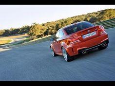 BMW M1 humiliates various car drivers