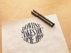 Un amoureux de calligraphie vous fait partager sa passion à travers des citations magnifiquement réalisées
