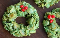 Christmas Cornflake Wreaths via @betrfromscratch
