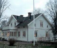So much Inspiration Swedish Farmhouse, Farmhouse Style, Farmhouse Decor, Style At Home, Farm Barn, Home Fashion, Interior And Exterior, My House, Beautiful Homes