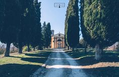 Chiese nascoste///hidden churches . . @freudpilettico @fra_faz93 . .  #volgotoscana #loves_united_umbria  #nature #yallersurbancontrast #nikon #nikonitalia #nikontop #d3200 #dslr #all_shots #20likes #picstitch #vscophile #yallersumbria #vscogood #vsco #discoverumbria #followforfollow #followforlike #likesforlikes #likesforfollow #followme #inspiration #instagood #ourmoodydays #shadowsandlight  #volgoitalia #italian_trips #browsingitaly
