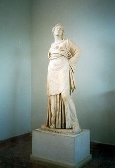 Marble statue of Athena-Minerva found in the area of the Odeum of Nicopolis. It is a Roman copy of a Greek original, which was probably a product of the School of Praxiteles, dated to the 4th century B.C.