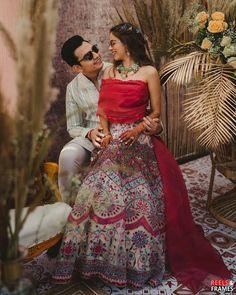 (C) Reelsandframes | (C) jadebymk | (C) Ishitaanandsud | Wedding photography | Candid couple photography | Candid couple moments | Bridal outfit ideas #weddingphotography #trending #unique #bridaloutfitideas #bridallehenga #couplegoals Indian Wedding Planning, Wedding Planning Websites, Wedding Outfits For Groom, Wedding Bride, Mehndi Outfit, Wedding Function, Wedding Story, Bridal Looks, Mehendi