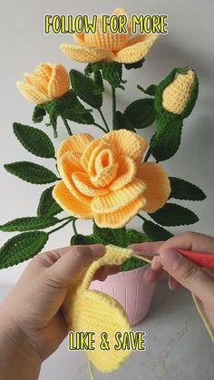 Crochet Leaf Patterns, Crochet Leaves, Crochet Motif, Crochet Designs, Crochet Flowers, Crochet Diagram, Crochet Stitches, Crochet Crafts, Easy Crochet