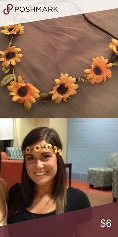 Sunflower flower crown headband Delicate sunflower headband! 🤗 Accessories Hair Accessories