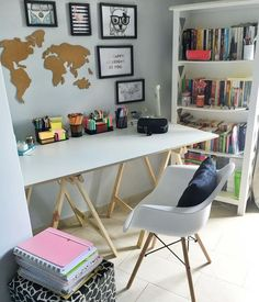 Most Popular Modern Home Office Design Ideas For Inspiration - Modern Interior Design Small Office Design, Home Office Design, Home Office Decor, Home Decor, Office Ideas, Office Table, Home Design, Study Room Decor, Cute Room Decor