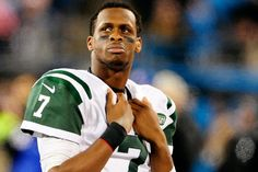 """Via NFL:  Starting quarterback Geno Smith will miss six to 10 weeks with a broken jaw after getting """"sucker-punched"""" in the locker room, New York Jets coach Todd Bowles announced Tuesday.  Smith was punched by linebacker IK …"""
