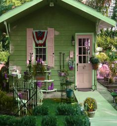 Fun She Shed Conversion Ideas Backyard Sheds, Backyard Retreat, Garden Sheds, Backyard Cottage, Tiny Houses For Sale, Little Houses, Shed Decor, Studio Shed, Tiny House Cabin