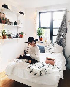 Dorm Room Ideas Pink Minimalist Room Decor Ideas That'll Motivate You To . 45 Cool Dorm Room Dcor Ideas You'll Like DigsDigs. 50 Best Dorm Room Ideas For 2019 Space Saving Dorm Ideas. Home and Family Dream Rooms, Dream Bedroom, Home Bedroom, Bedroom Decor, Bedroom Ideas, Master Bedroom, Bedroom Inspo, Bedroom Designs, Budget Bedroom