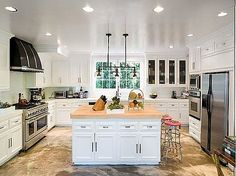 Designer Christian Audigier Selling Los Angeles Home - Rolls-Royce Included Christian Audigier, Beautiful Kitchens, Cool Kitchens, Industrial Kitchens, Beautiful Interiors, Veranda Interiors, Kardashian Home, Kitchen Pulls, Kitchen Design