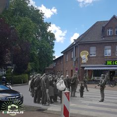 Hamminkeln, Operation Varsity, 1945, British Airborne troops Troops, Ww2, World War, Sidewalk, British, Walkways, Pavement, British People, Curb Appeal
