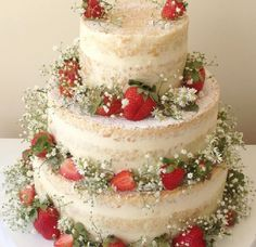 Naked cake de casamento com recheio de creme de nozes