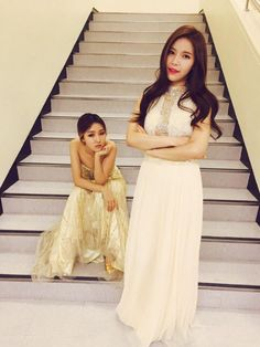 Hwasa & Solar - This is something worthy to be on the cover of a magazine.