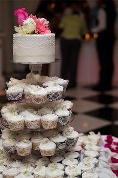 Real wedding: Bright beachy fun in Turks and Caicos | Wedding cake